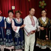 Народни танци за възрастни